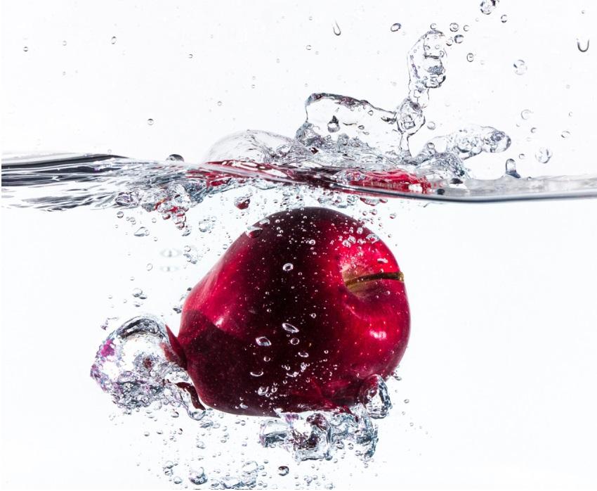 ニュートンの目の前にリンゴを落とす仕事
