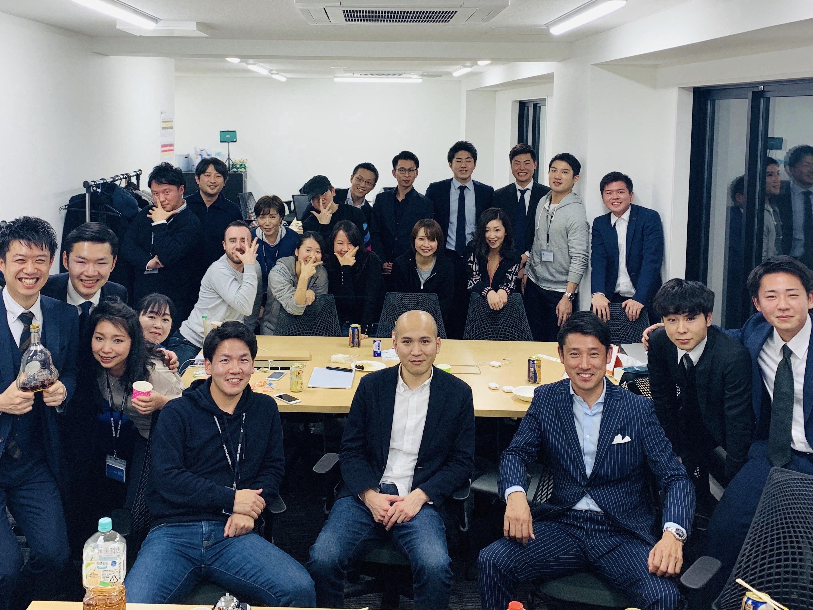 多様性に富んだメンバー/オープンなカルチャー(写真:東京オフィスのメンバー)