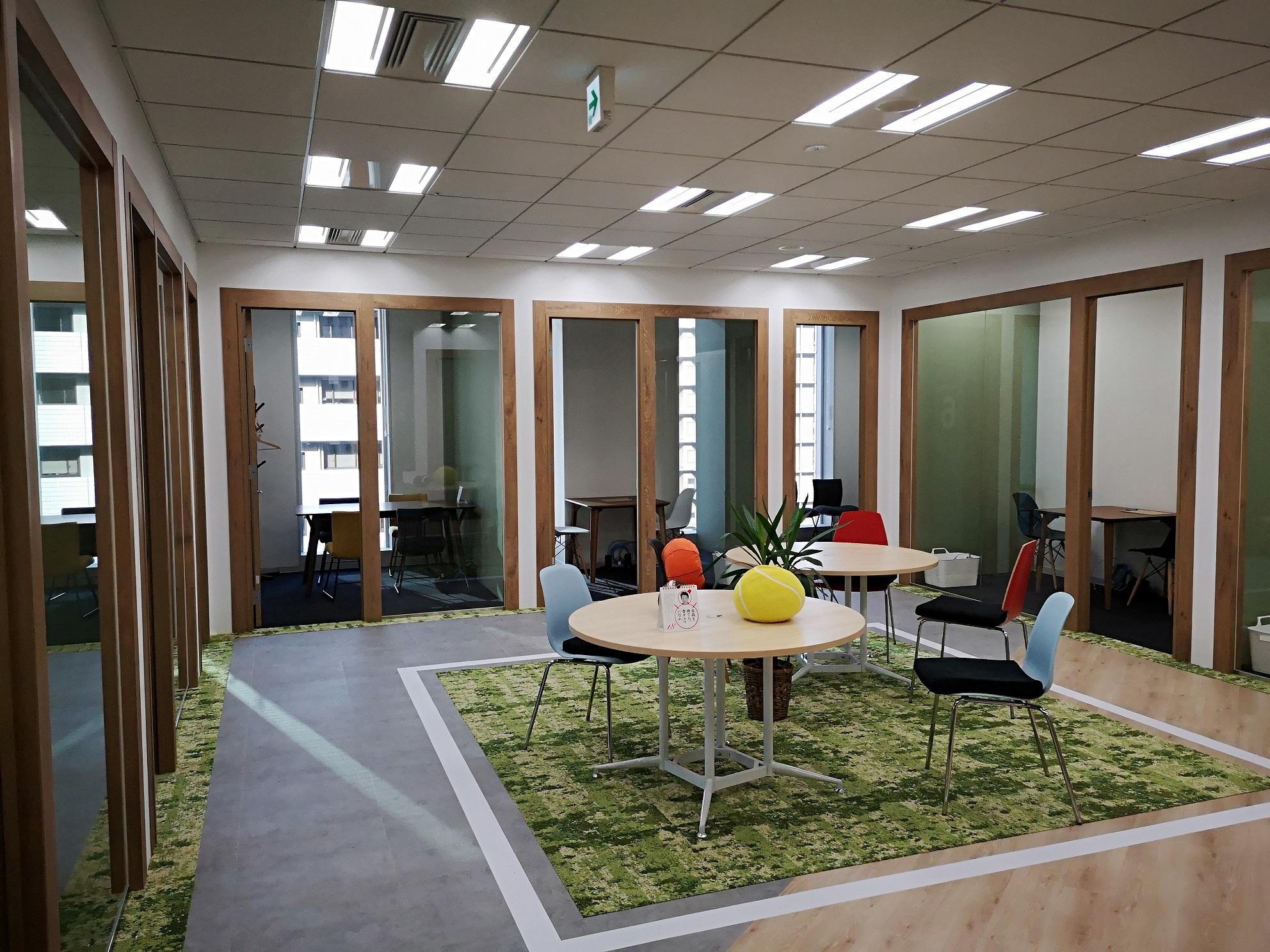 大阪オフィスのセミナールーム