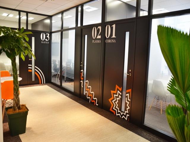 綺麗なオフィスは溜池山王駅徒歩1分!